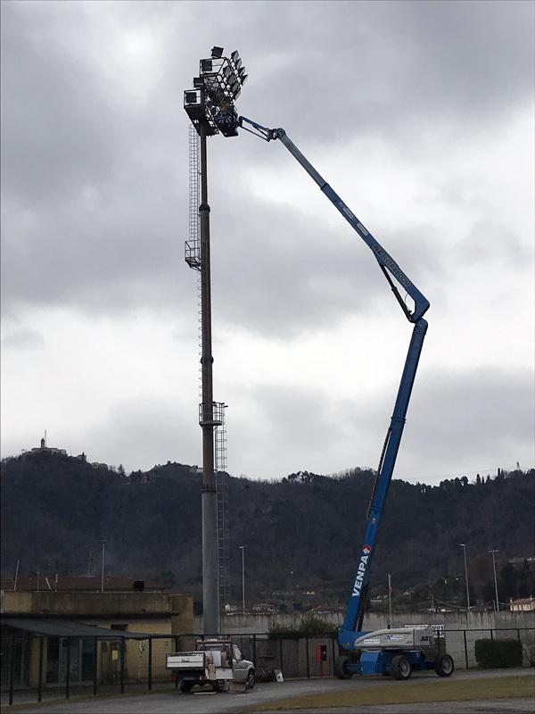 Nuovo impianto di illuminazione dello stadio di Camaiore