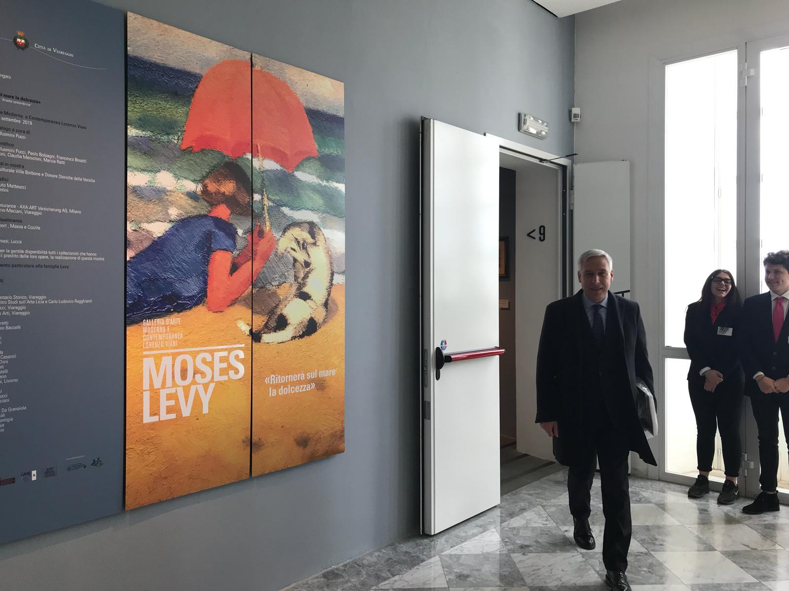 Successo di pubblico all'inaugurazione della mostra di Moses Levi