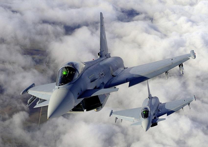"""Boati e vetri che tremano a Torre del Lago e in Versilia: """"Erano 2 Eurofighter dell'Areonautica"""""""