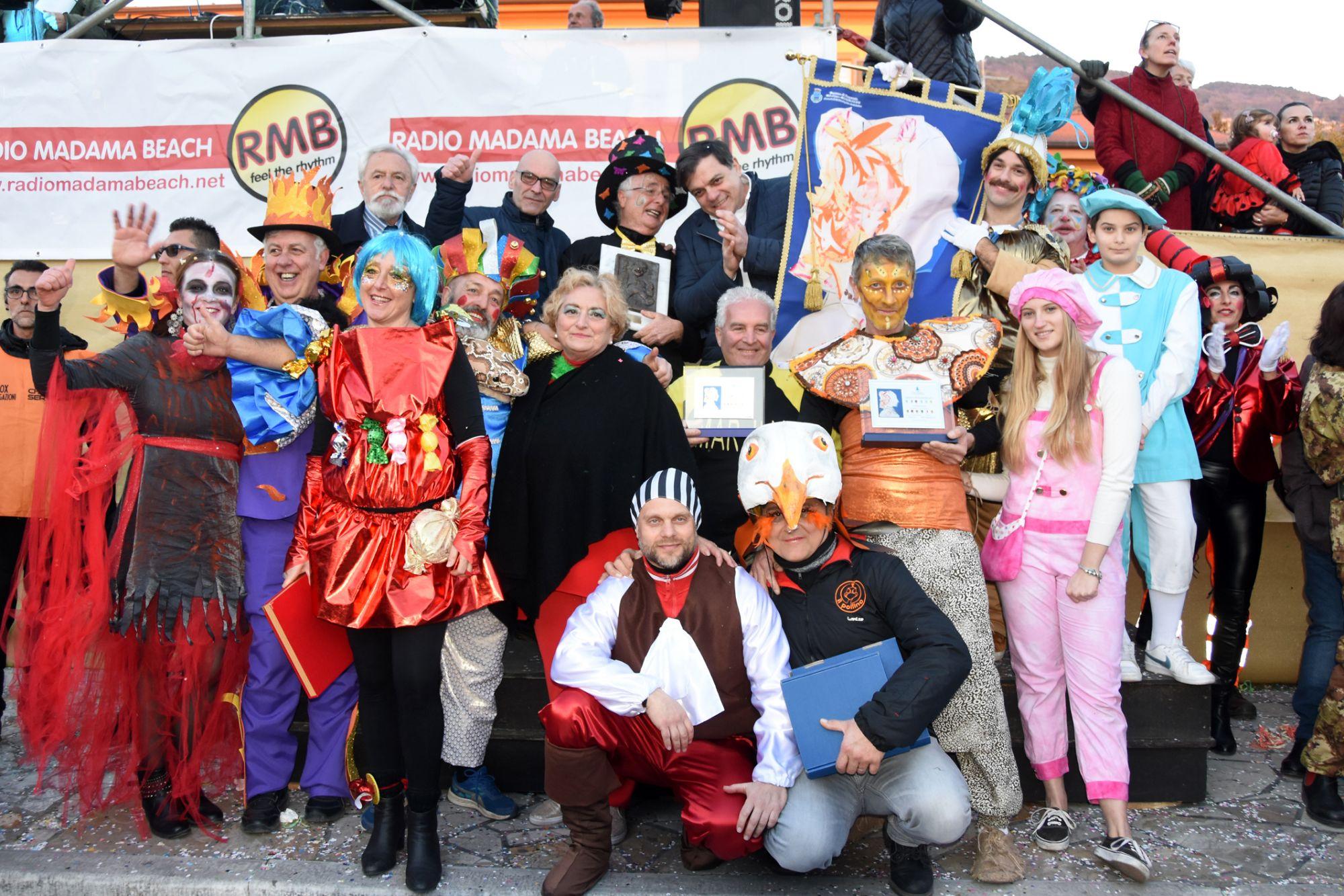 Carnevale Pietrasantino: il carro più bello è della Brancagliana, mascherata a Strettoia