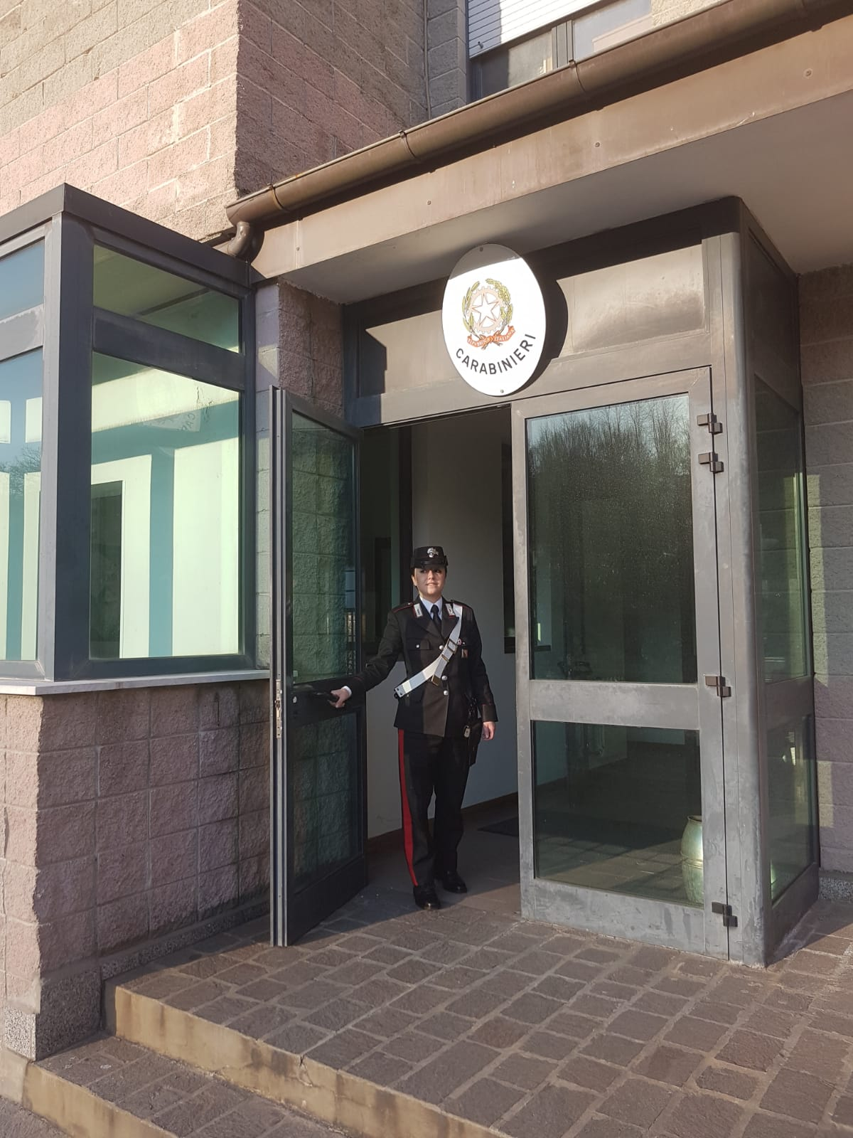 Trovato per strada infreddolito, invoca i Carabinieri