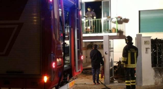 A fuoco un appartamento, inagibile lo stabile