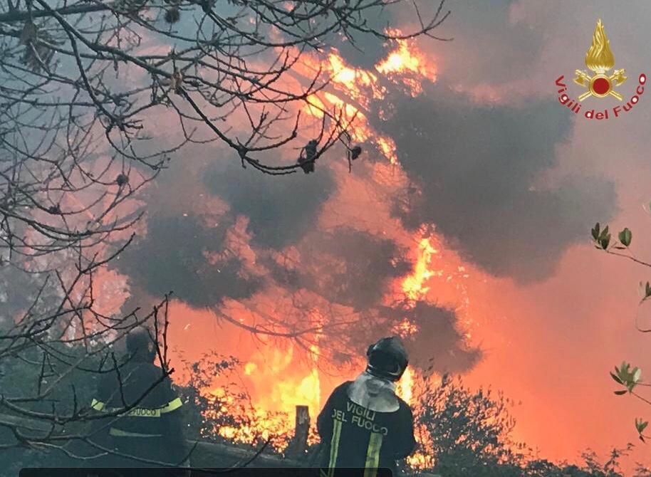 Incendio sul monte Serra, bruciati 180 ettari