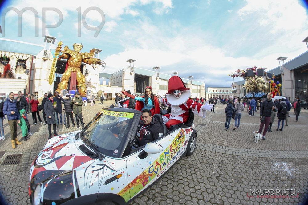 Sabato 17 agosto è la notte dei bozzetti del Carnevale di Viareggio 2020