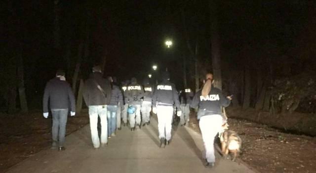 Nuovo blitz in Pineta, retata di clandestini: beccato anche il fratello del nordafricano che ha ferito il poliziotto