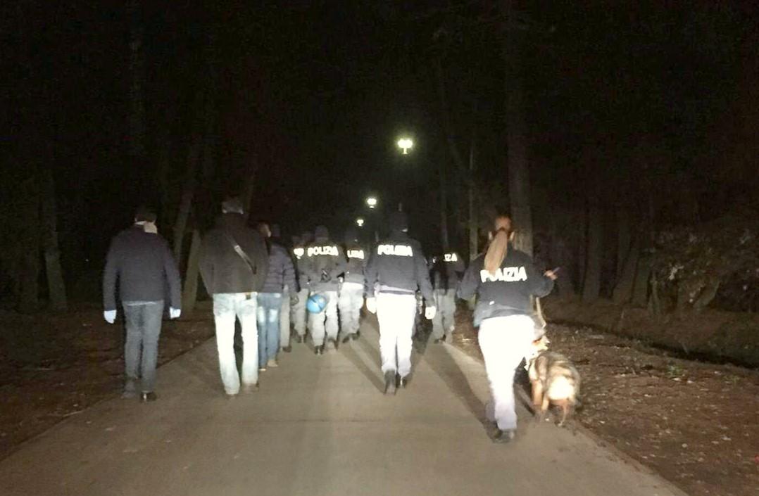 Blitz in pineta: 4 marocchini espulsi e due arrestati