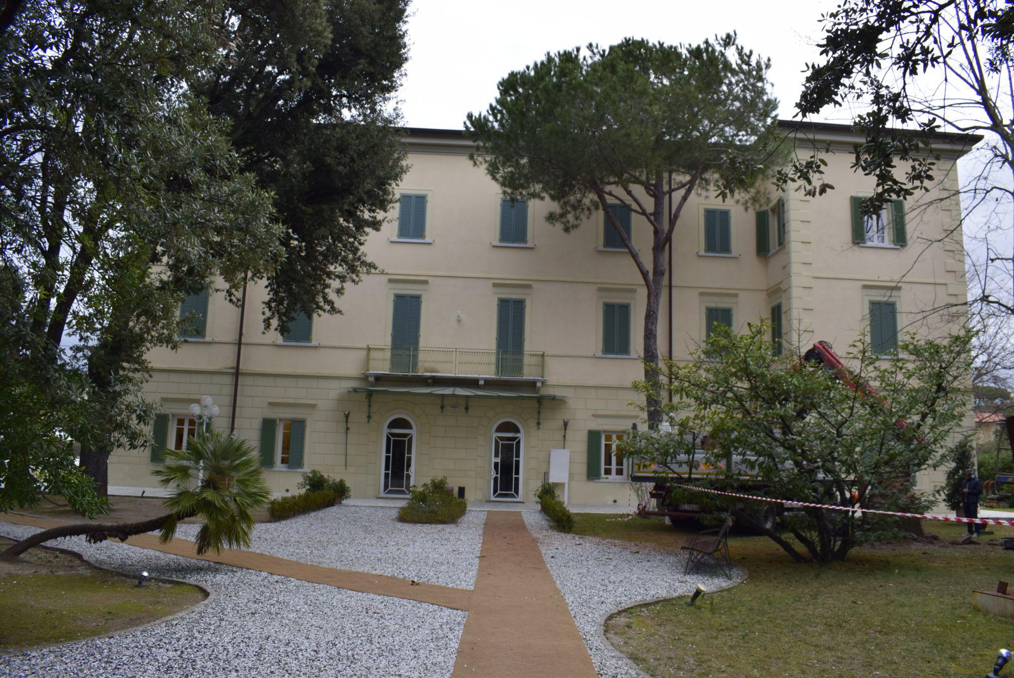 """Parliamone in Villa: l' eroica figura di Giacomo Matteotti nel romanzo """"SOLO"""" di Riccardo Nencini"""