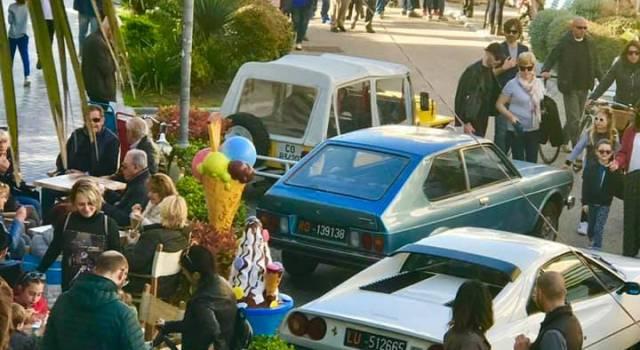 Steward, percorsi separati di entrata ed uscita, mascherina obbligatoria, un metro di distanza tra le persone in fila: torna il mercato a Tonfano