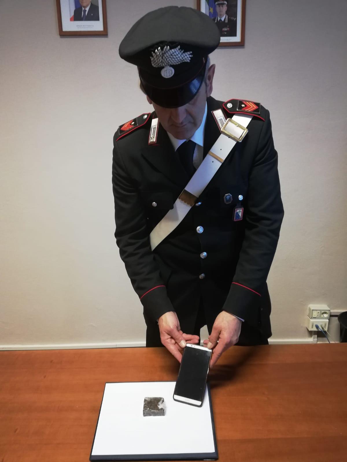Sul lungomare da marina di Pietrasanta a Viareggio con mezzo etto di droga: arrestato