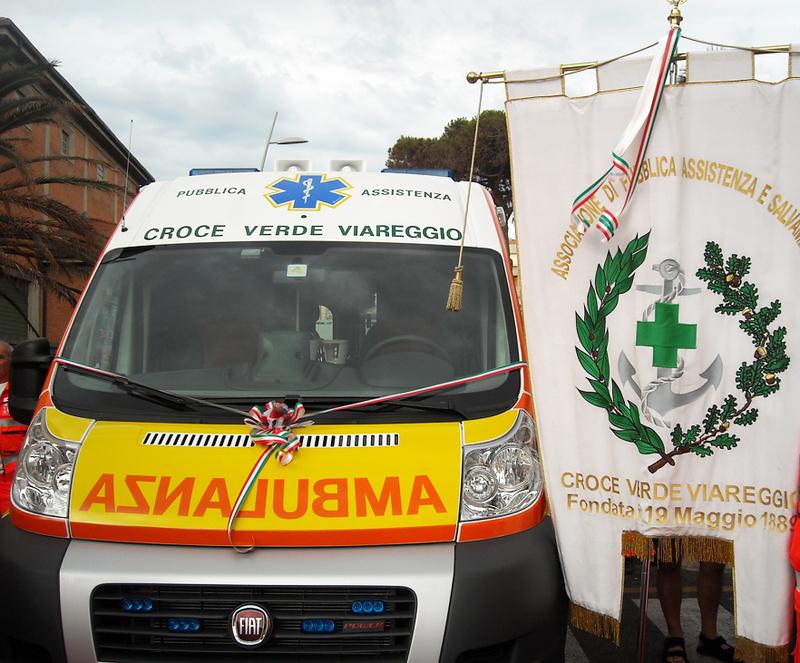 Nuova ambulanza per la Croce Verde Viareggio. Manca un ultimo, piccolo sforzo