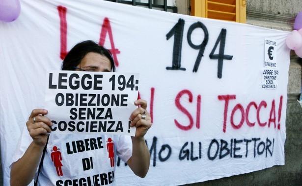 """Forum Pro vita nei consultori, Repubblica Viareggina: """"E' violenza sulle donne"""""""
