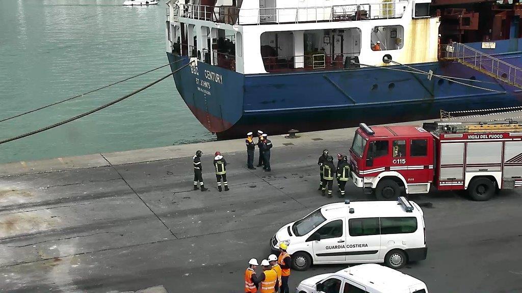 Paura per una presunta bomba in porto. Ma era solo una esercitazione
