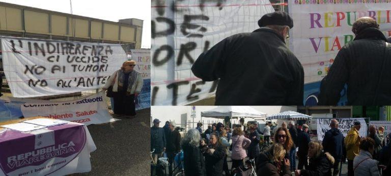 In tanti in piazza contro le antenne: accuse al sindaco e alla Lega
