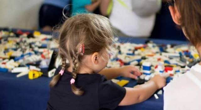 """Spettacoli, Lego, laboratori, giochi d una volta, dinosauri e tanto divertimento per tutti: taglio del nastro per """"Lucca Bimbi"""""""