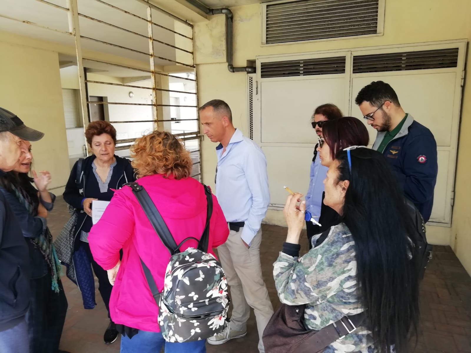 """""""Ennesimo umiliante e avvilente distacco del gas in via delle Catene"""""""