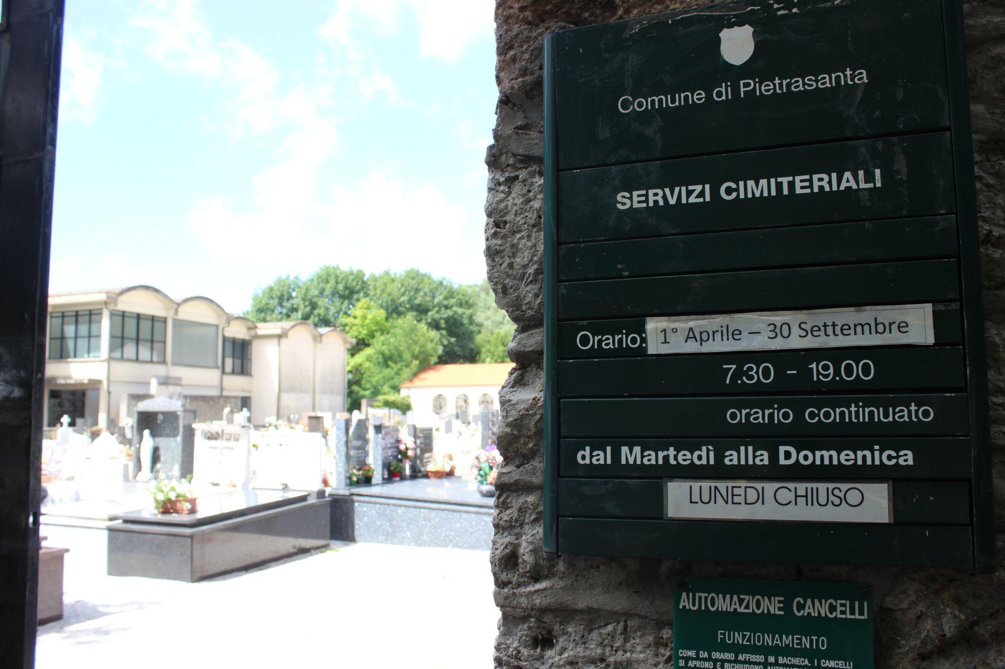 Via l'amianto dal cimitero, 100mila euro per la bonifica copertura in amianto