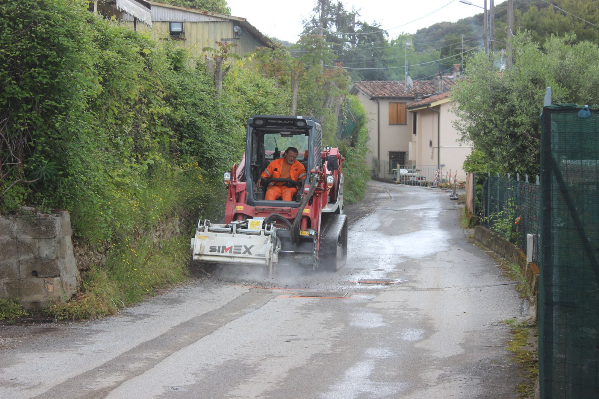 Avanti con il piano asfaltature a Pietrasanta