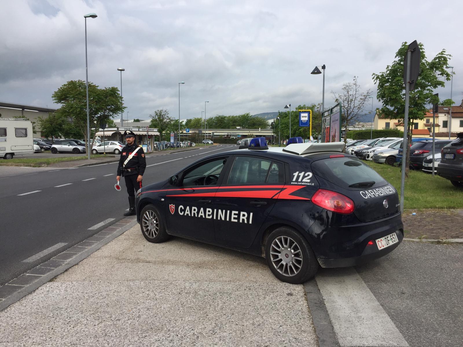 Tentano l'estorsione ma trovano i Carabinieri: due brasiliani in manette