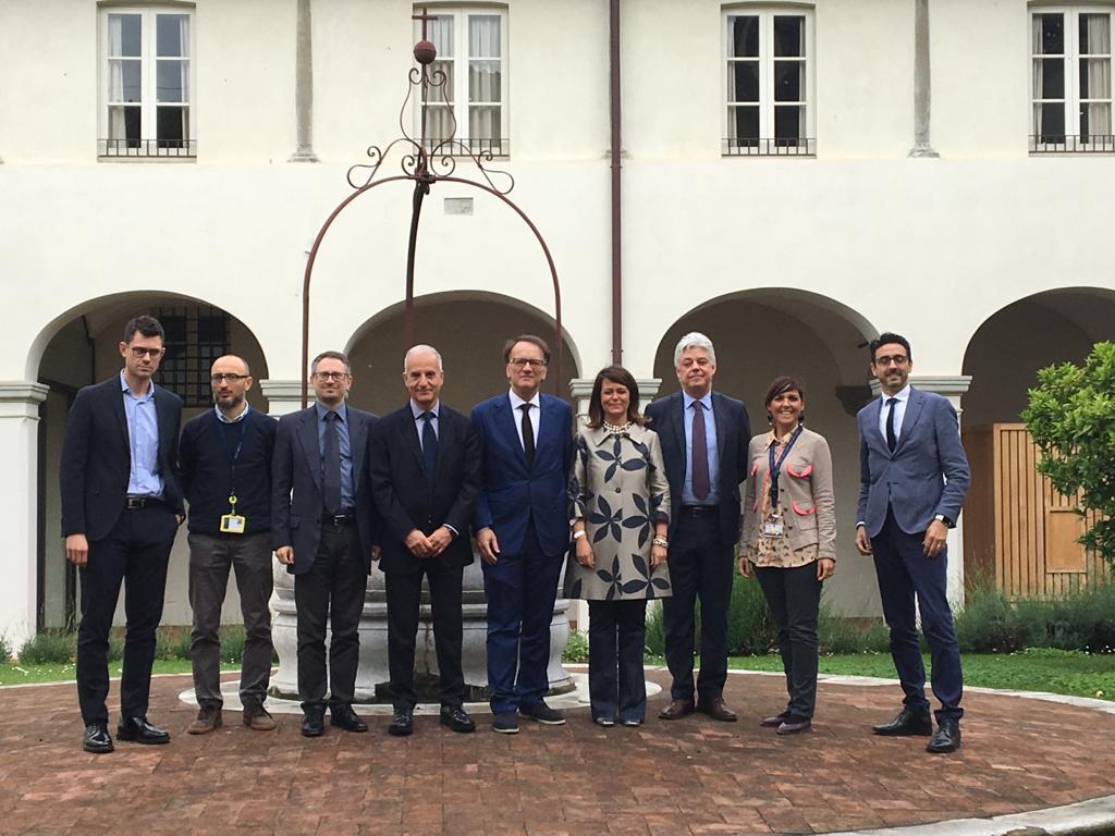 L'addetto scientifico presso l'Ambasciata d'Italia a Mosca in visita alla Scuola IMT