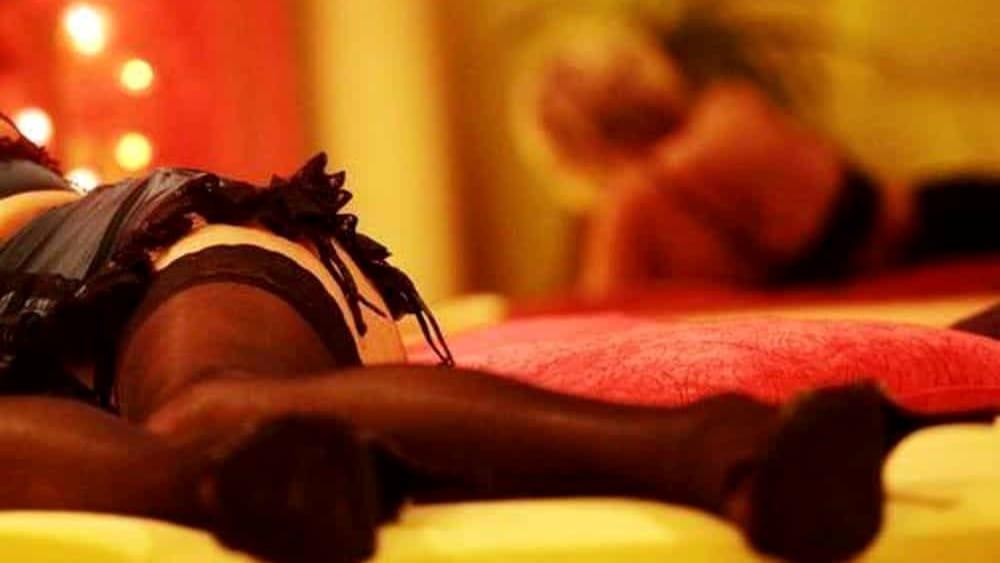 Prostitute cinesi di alto bordo in hotel, 6 arresti