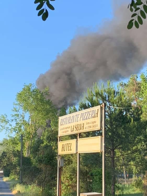 Due boati risvegliano Torre del Lago: esplosione al camping Bosco Verde