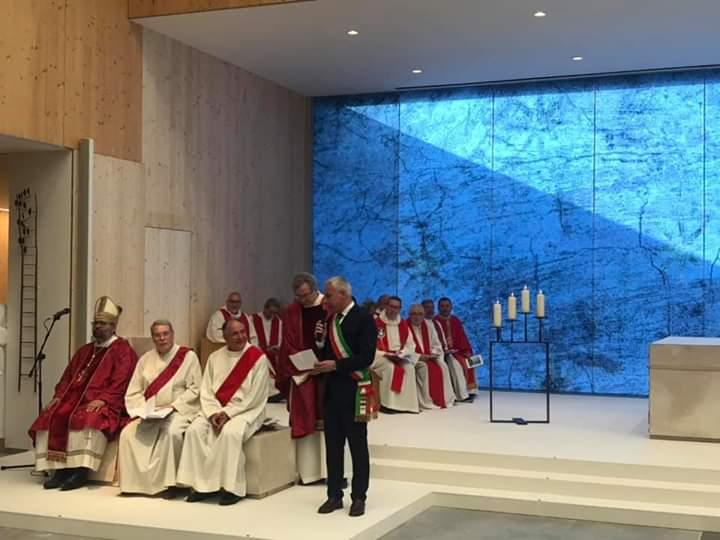 Il vescovo Paolo inaugura la nuova chiesa del Varignano