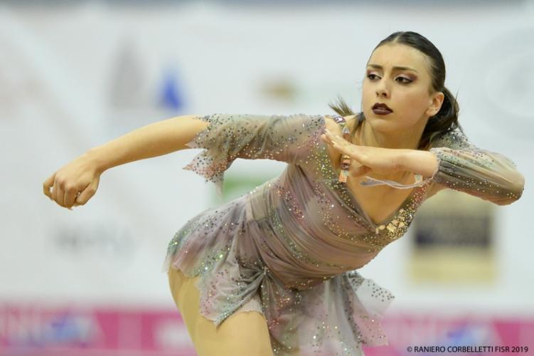 """Rebecca Vizzoni ai Campionati del Mondo, la pattinatrice degli """"Angel's Skate"""" vince gli italiani"""