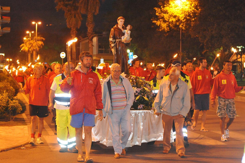 Festa patrono Sant'Antonio, al via i festeggiamenti con santa messa al pontile