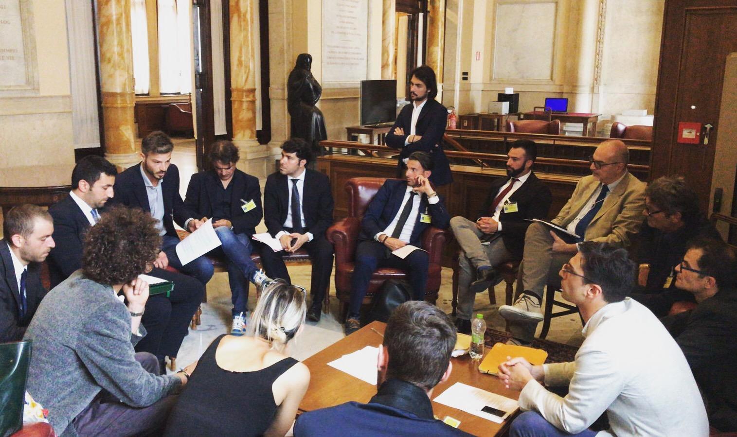 """Cannabis light o droga? Da Bozzano a Roma dopo la sentenza della Cassazione: """"Basta incertezza, siamo imprenditori"""""""