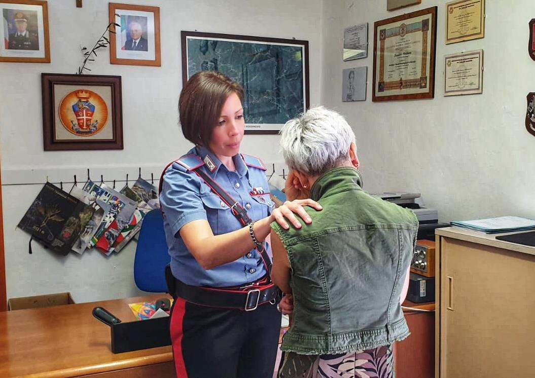 Maltrattamenti, persecuzioni e controlli ossessivi, due donne salvate dai Carabinieri