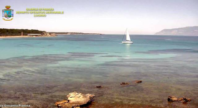 Barca a vela sosta vietata in zona protetta