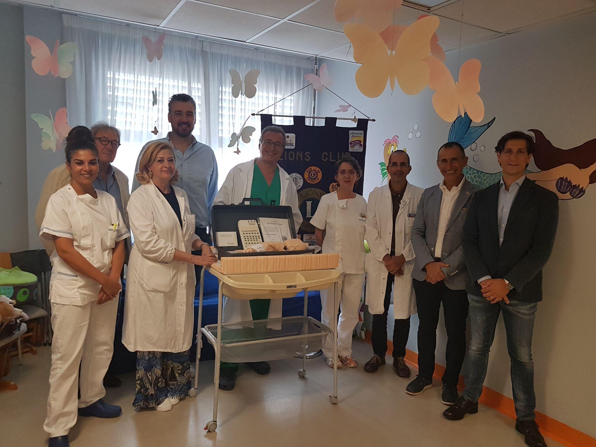 I LIONS donano un manichino per la Rianimazione Neonatale alla Pediatria
