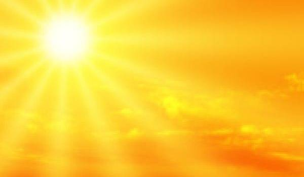 Giugno rovente, arriva la bomba di caldo: i consigli per evitare rischi a malati, anziani e bimbi