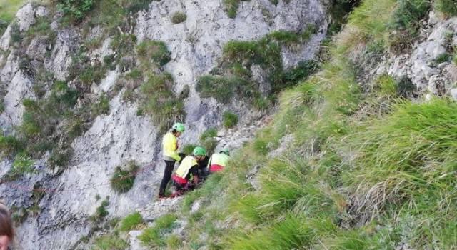 Precipita sulle Apuane, muore un escursionista 52enne