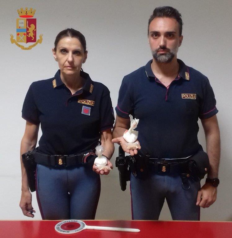 Trasportavano droga: arrestate due donne dalla Polstrada