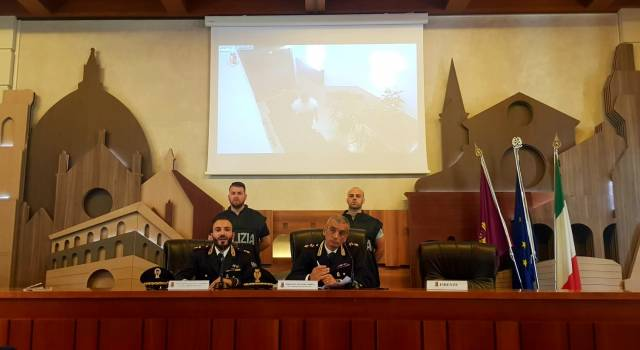 La Polizia di Stato sgomina una banda di ladri d'appartamento che avevano la loro base operativa a Firenze