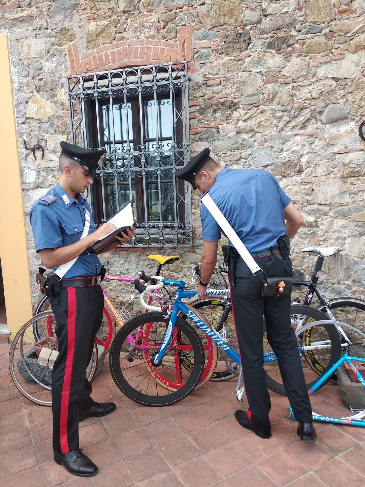 Ritrovate 12 bici di valore, denunciato per ricettazione dai Carabinieri di Lucca un livornse
