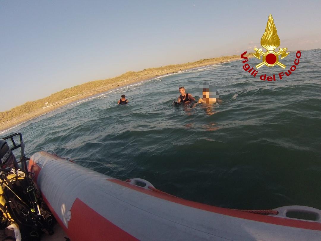 Dispersa in mare a Marina di Vecchiano, giovane donna recuperata dai sommozzatori