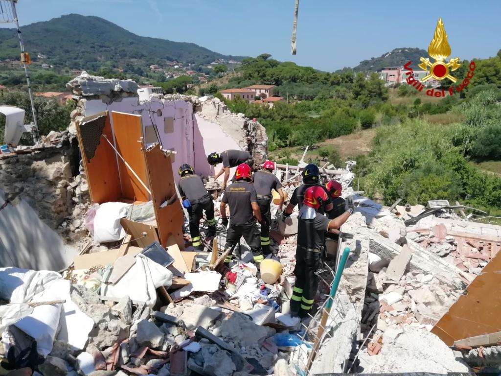 Si aggrava il bilancio della palazzina esplosa, due morti e tre feriti