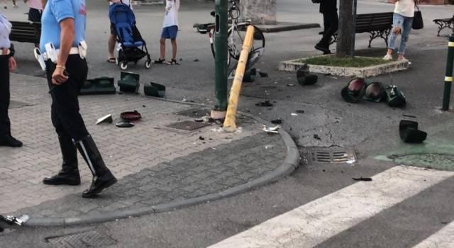 Folle corsa terrorizza lo shopping a Forte dei Marmi: 40enne fiorentino ricoverato in Psichiatria