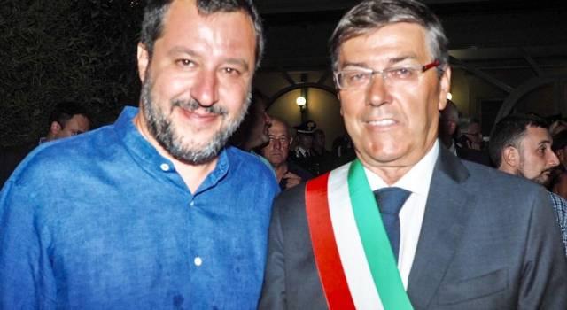 Matteo Salvini a Forte dei Marmi si complimenta col sindaco per il progetto sicurezza