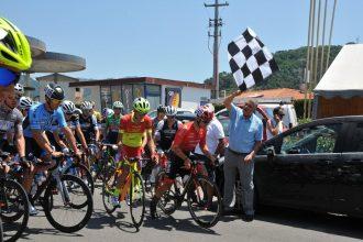 mungai da il via ai campionati di ciclismo