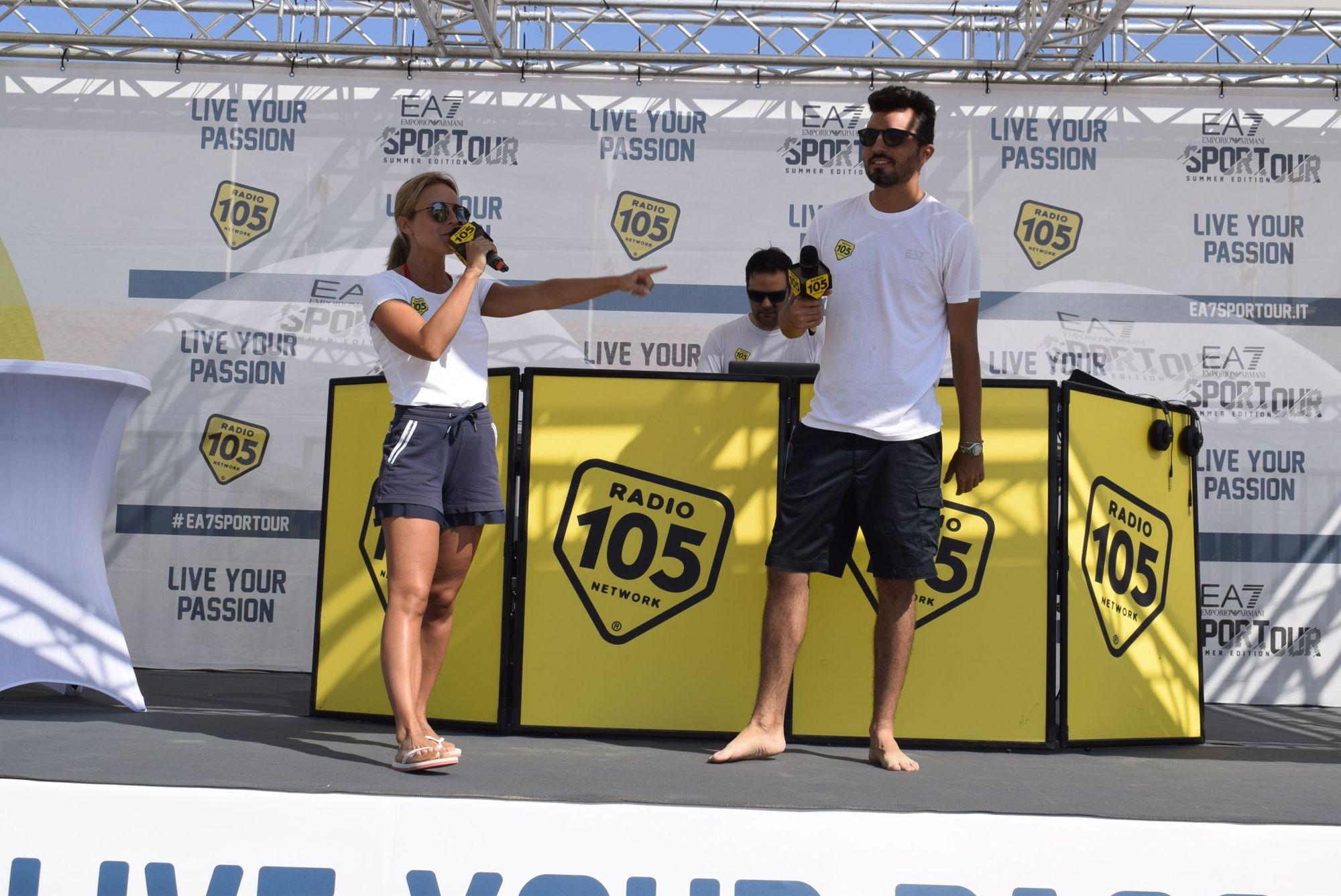 Radio 105 e Armani Tour in spiaggia libera a Lido di Camaiore
