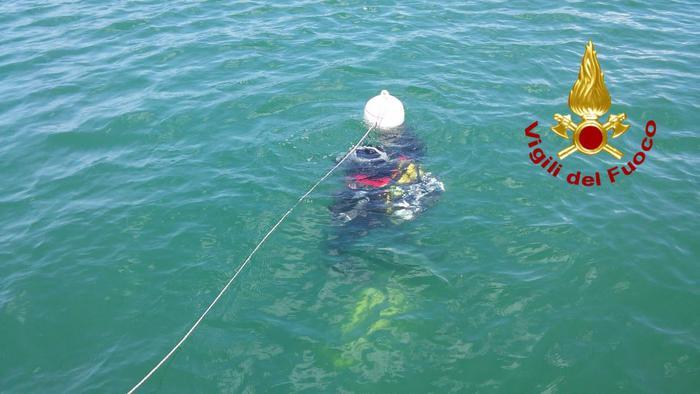 Si tuffa nel lago di Bilancino e non riemerge, dopo giorni di ricerche ritrovato il corpo senza vita
