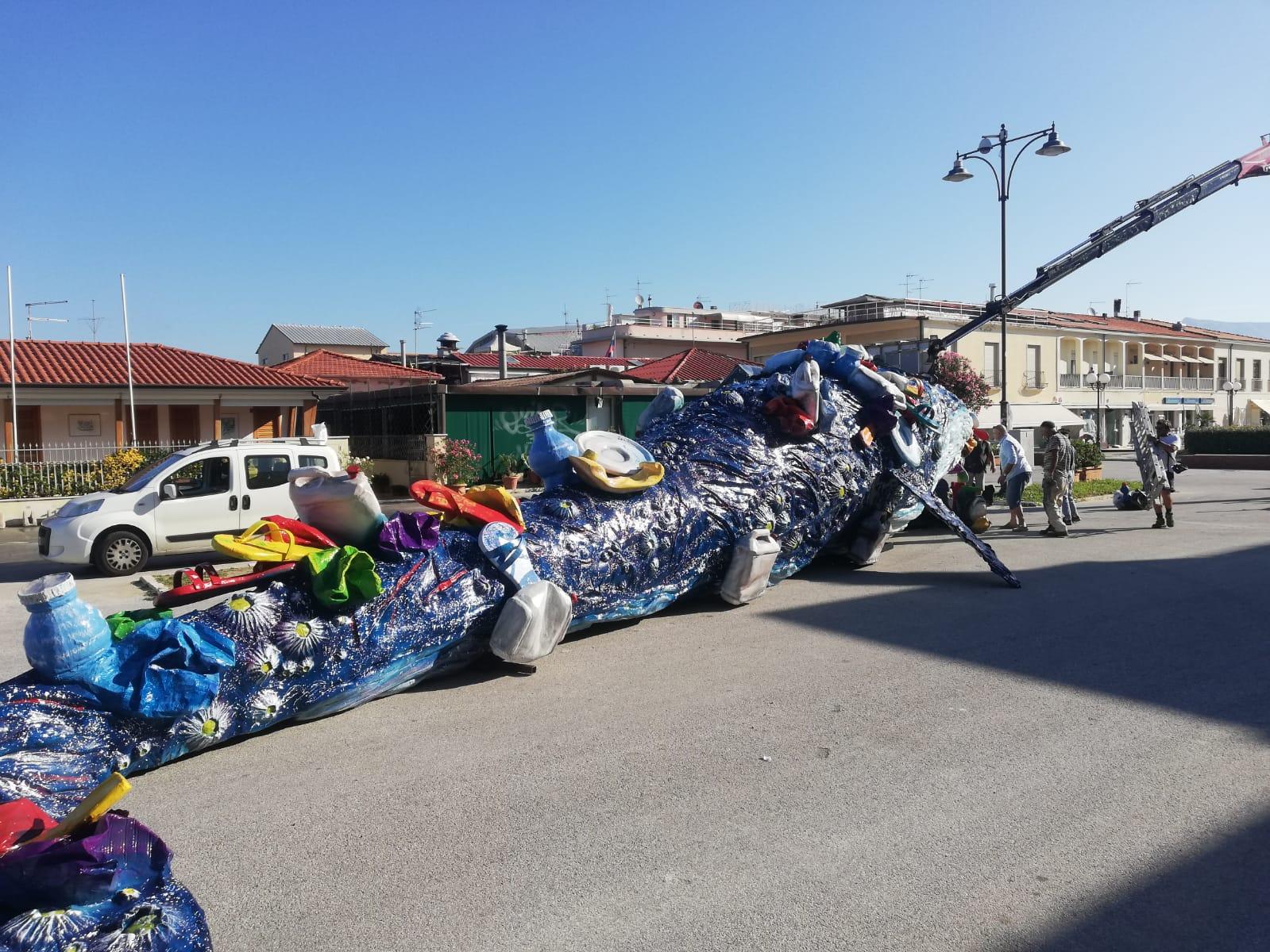 Spiagge pulite, la Balena di Vannucci per plastic free