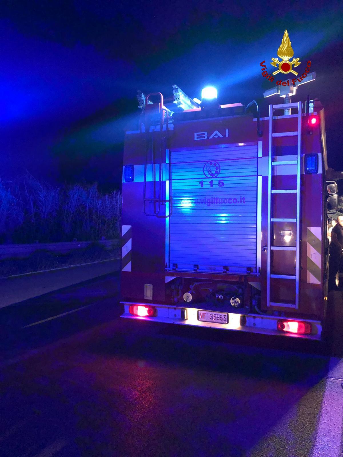 A fuoco un camion, trasportava mangime per animali