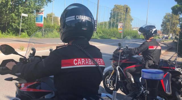 Sorpresa a rubare su auto in sosta in Darsena, pietrasantina arrestata dai Carabinieri