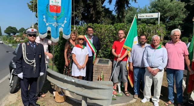 Una cerimonia per commemorare le vittime della Sassaia