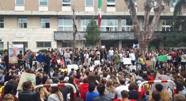 Clima, tanti in piazza anche a Viareggio in difesa dell'ambiente