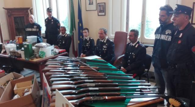 I Forestali scoprono un arsenale di armi e munizioni da caccia detenuto illegalmente